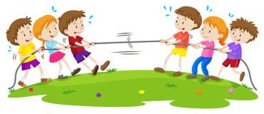 Dzieciaki bawić się zażartą rywalizację przy parkiem Obrazy Stock