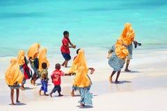 Dzieciaki iść szkoła w Zanzibar Obraz Stock