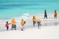 Dzieciaki iść szkoła w Zanzibar Zdjęcie Stock