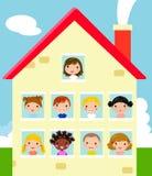 Dzieciaki i dom Fotografia Stock