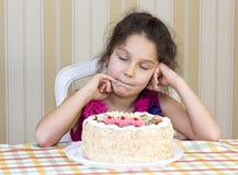 Dzieciaki jedzą tort Obraz Stock