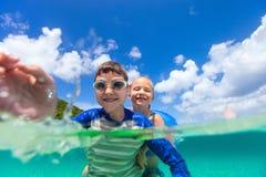 Dzieciaki na wakacje Zdjęcie Royalty Free