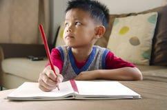 Dzieciaki piszą zdjęcie stock