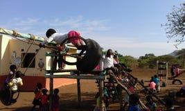 Dzieciaki przy Mange creche Zdjęcie Royalty Free