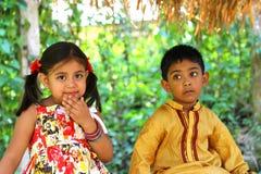 Dzieciaki sadzający w lesie Obrazy Royalty Free