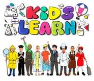 Dzieciaki Uczą się edukaci twórczości dzieci pomysłów pojęcie ilustracja wektor