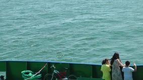 Dzieciaki w ferryboat zbiory