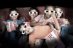 Dzieciaki w filmach Zdjęcia Royalty Free