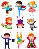 Dzieciaki w kostiumach ilustracji