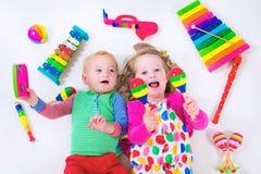 Dzieciaki z muzycznymi instrumentami Obrazy Royalty Free