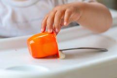 dziecka łasowania jogurt Zdjęcia Stock