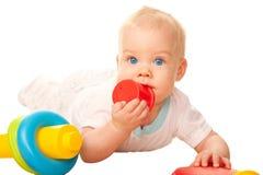 Dziecka żuć zabawka. Ząbkować i swędzący dziąsła Obraz Stock