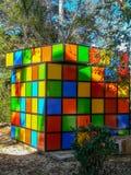 Dziecka boisko z bardzo kolorowymi huśtawkami zdjęcia royalty free