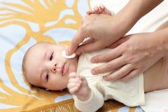 dziecka cleaning skóra zdjęcia royalty free
