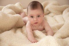 dziecka czołganie Fotografia Royalty Free