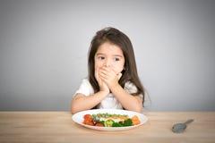 Dziecka don& x27; t chce jeść warzywa Fotografia Royalty Free