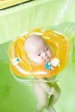 Dziecka dopłynięcie zdjęcie royalty free