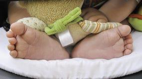dziecka głęboka śródpolna nożna masażu płycizna Obrazy Royalty Free