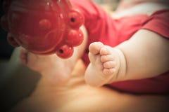 dziecka głęboka śródpolna nożna masażu płycizna Fotografia Stock
