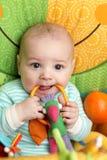dziecka gryzienia brzęk Fotografia Stock