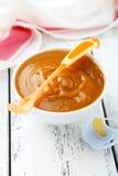 Dziecka jedzenie w pucharze Fotografia Stock