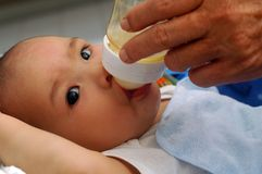 dziecka karmienia mleko Obraz Stock