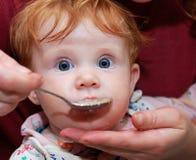 dziecka karmienie obraz royalty free