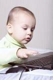 dziecka komputeru działanie Obrazy Royalty Free