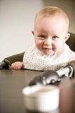 dziecka krzesło je wysokość przygotowywającą Obrazy Royalty Free