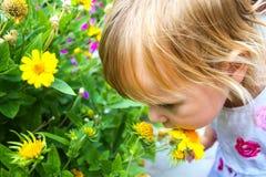dziecka kwiatu portret Obraz Royalty Free