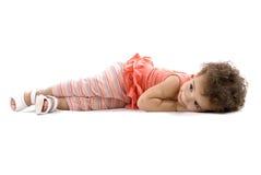dziecka lying on the beach zdjęcie stock