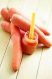 dziecka marchewki jedzenie obrazy stock