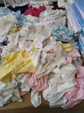 Dziecka odzieżowy sprzedawanie przy turecki baazar w Istanbuł zdjęcia royalty free