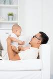 dziecka ojca bawić się Zdjęcie Stock