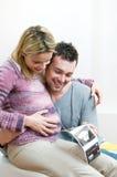 dziecka pary szczęśliwi ciężarni sonogram potomstwa zdjęcia royalty free