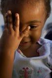 dziecka piękna twarzy ręka target384_1_ trochę Fotografia Royalty Free