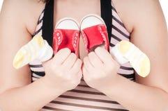 dziecka portreta ciężarna ładna butów kobieta Obraz Royalty Free