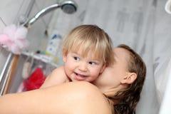 dziecka prysznic zabranie zdjęcie royalty free