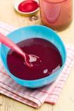 dziecka pucharu jedzenia klingeryt zdjęcia royalty free