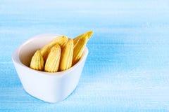 Dziecka sweetcorn lub mini kukurudza Ja jest typowo zjedzonym całym cob zawierać dla ludzkiego spożycia Ja jest jem kucbarski i s fotografia stock
