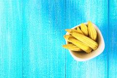 Dziecka sweetcorn lub mini kukurudza Ja jest typowo zjedzonym całym cob zawierać dla ludzkiego spożycia Ja jest jem kucbarski i s zdjęcie royalty free