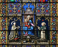 dziecka szklany święty Mary pobrudzony dziewiczy okno Fotografia Stock