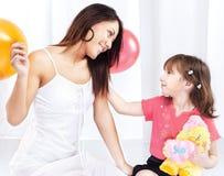 dziecko bawić się kobiety obraz royalty free