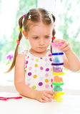Dziecko bawić się z kolorowym ciastem Fotografia Royalty Free