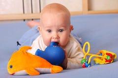 dziecko bawić się zabawki Obraz Stock