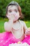 Dziecko berbecia dziewczyna w pierwszy urodzinowym rocznicowym przyjęciu Obraz Royalty Free