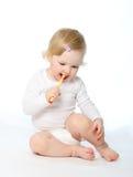 dziecko czyścić jeden s zęby Obrazy Royalty Free
