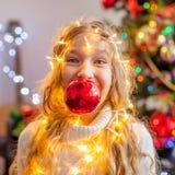 Dziecko dekoraci choinka zdjęcia royalty free