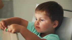 Dziecko foremka od plasteliny zdjęcie wideo