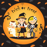 Dziecko funda w Halloween lub trikowy Obrazy Stock